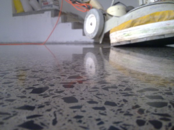 cleaning and maintenance of polished concrete